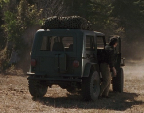 File:EnclosedJeep.png