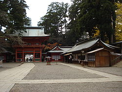 250px-Kashima-jingu romon gate
