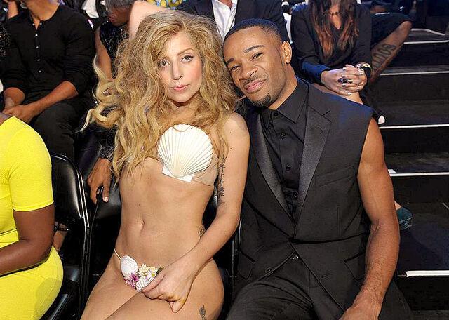 File:8-25-13 MTV VMA's Audience 008.jpg