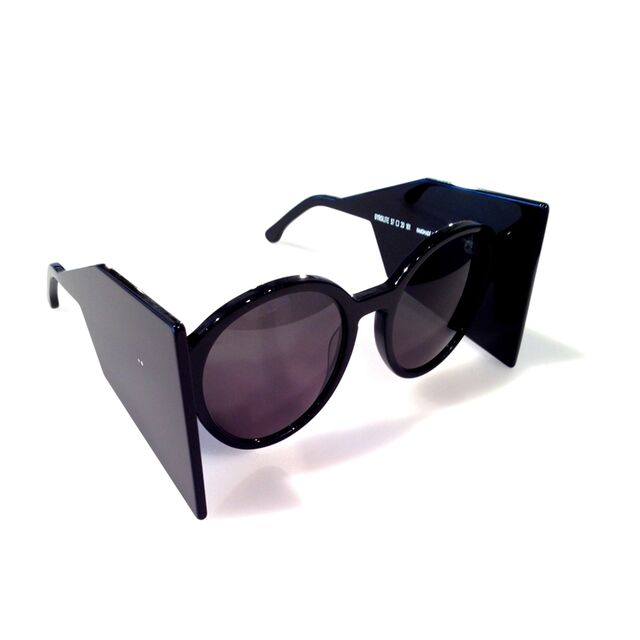 File:Thierry Lasry Gyrolyte Sunglasses.jpg