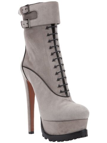 File:Azzedine Alaïa - Lace-up boots.jpg