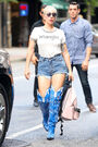 8-16-16 Arriving at a Recording Studio in NYC 001