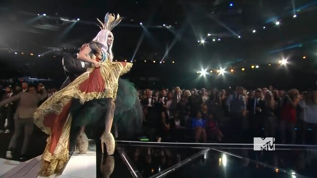 File:MTV VMAS 2010 SCREENSHOT 04.jpg
