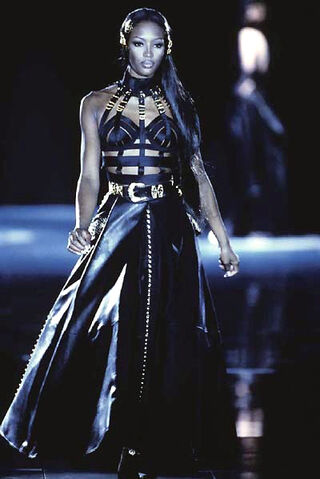 File:Fall-Winter92-93-NaomiCampbell.jpg
