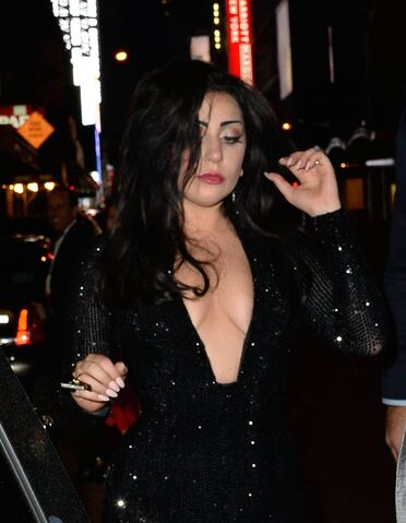 File:5-5-15 Leaving Diamond Horseshoe Nightclub in NYC 002.jpg