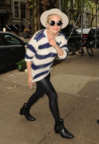 File:5-10-16 Arriving at Joanne Trattoria Restaurant in NYC 001.jpg