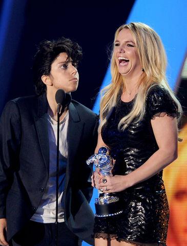 File:VMA 2011 Britney Spears Tribute 004.jpg