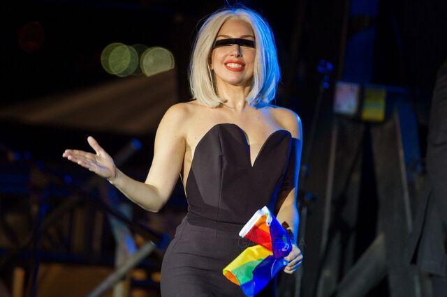 File:6-28-13 Pride Rally 002.jpg