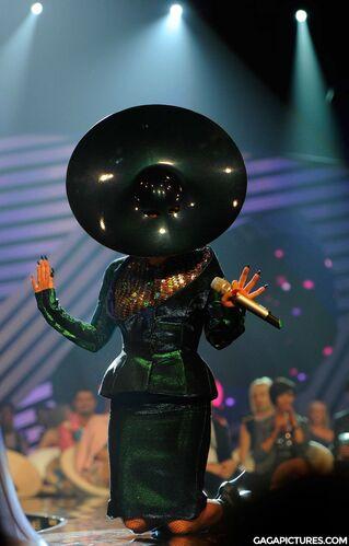 File:Nov6-MTV-EMA-BestVideo.jpg