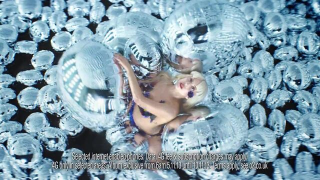 File:ARTPOP O2 UK TV AD 007.jpg