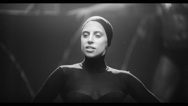 File:Applause Music Video 026.jpg