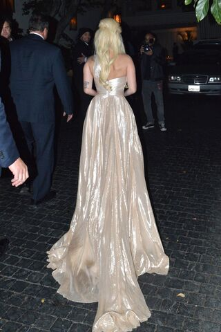 File:1-23-14 Arriving at Chateau Marmont Hotel in LA 001.jpg