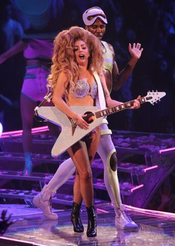 File:5-4-14 Venus - artRAVE The ARTPOP Ball Tour 002.jpg