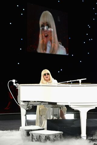 File:1-24-14 MusiCares Performance 004.jpg