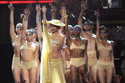 13-2-11 Performing Born This Way at Grammys 010