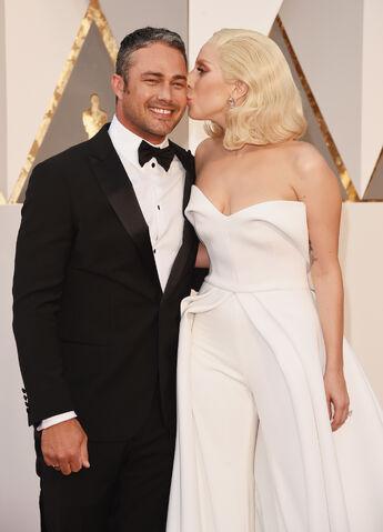File:2-28-16 Red carpet at The Oscars in LA 003.jpg