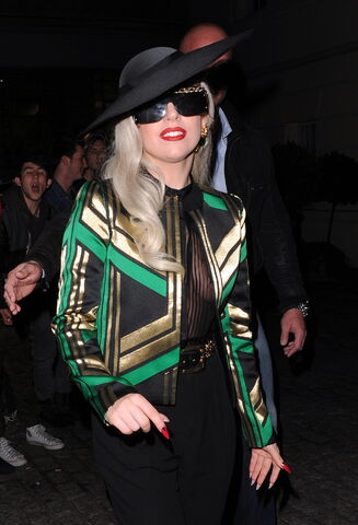 File:11-16-11 Leaving ITV Studios in London 002.jpg