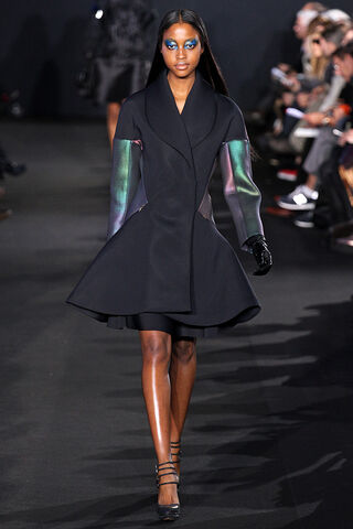 File:Prabal Gurung - Fall 2012 RTW Collection.jpg