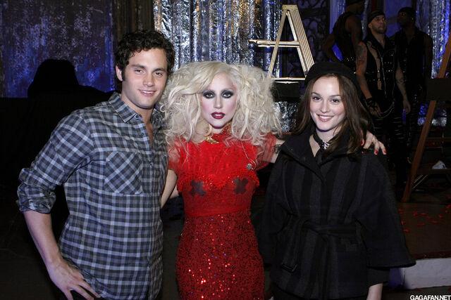 File:Gossip Girl Backstage 2.jpg