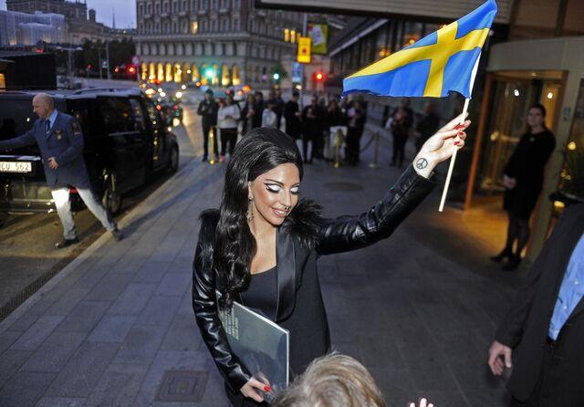 File:10-2-14 Leaving Grand Hotel in Stockholm 002.jpg