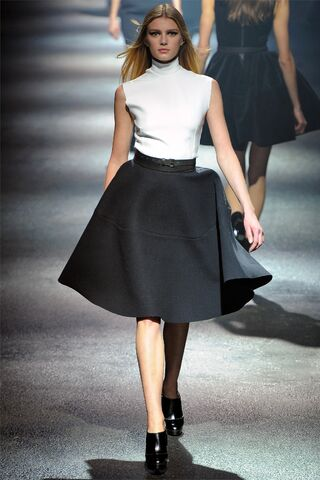 File:Lanvin - Fall 2012 RTW Collection.jpg