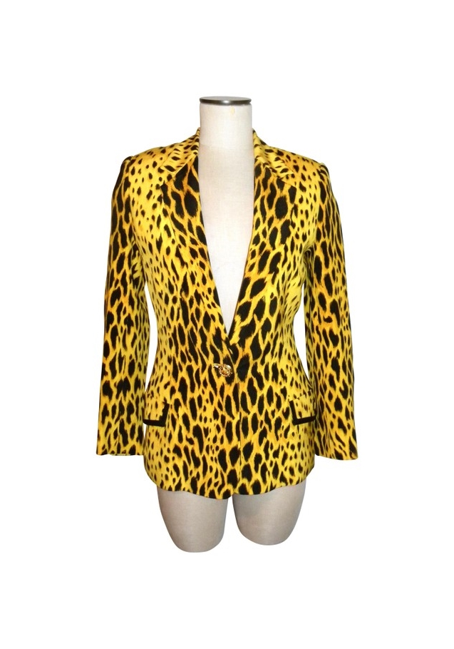 File:Gianni-versace-ss-1992-animal-print-jacket-profile.jpg