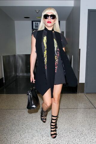 File:9-15-15 Arriving at LAX Airport in LA 002.jpg