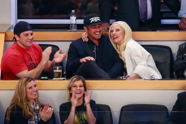 File:3-6-16 Detroit Red Wings vs Chicago Blackhawks NHL Game at United Center 001.jpg