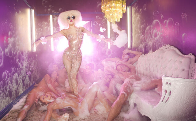 File:5-14-09 David LaChapelle 003.jpg