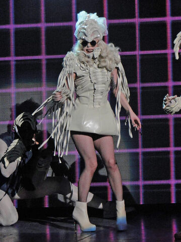 File:The Monster Ball Theater LoveGame 010.jpg