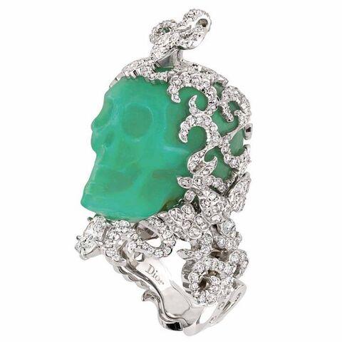File:Dior - Jade and diamond skull ring.jpg