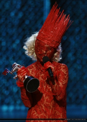 File:9-13-09 Recieving award for best newartist at VMA's 2.jpg
