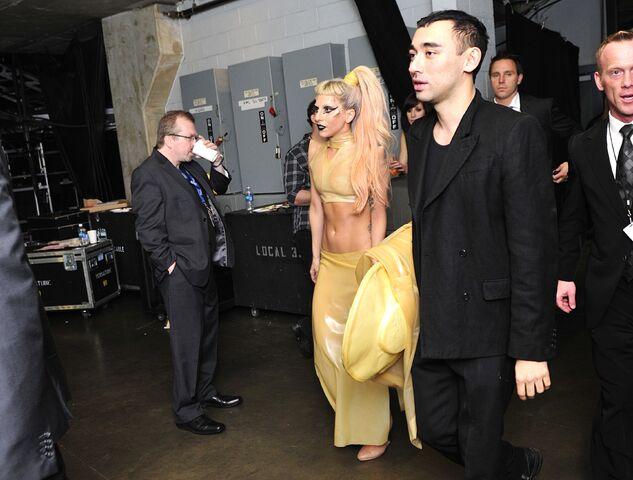 File:GaGa Nicola Grammys.jpg