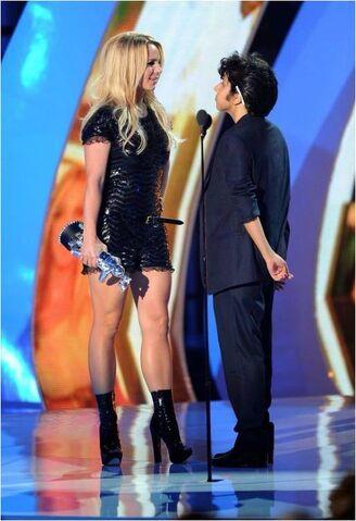 File:VMA 2011 Britney Spears Tribute 002.jpg