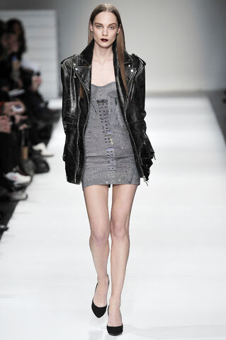 File:Hussein Chalayan Fall 2009 RTW Leather Jacket.jpg