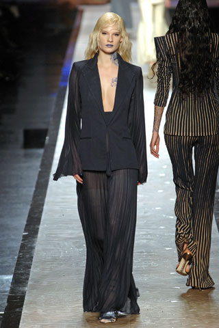 File:Jean Paul Gaultier - Fall-Winter 2008 HC Collection.jpg