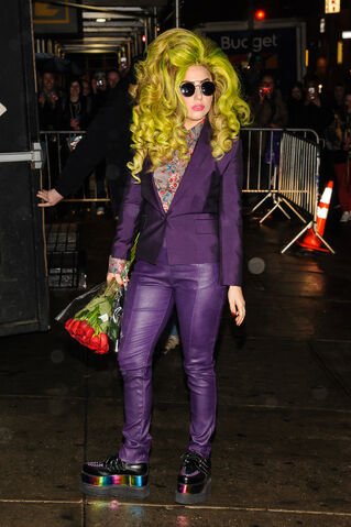 File:4-4-14 Arriving at the Roseland Ballroom in NYC 002.jpg