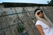 00-00-09 Berlin Wall 001