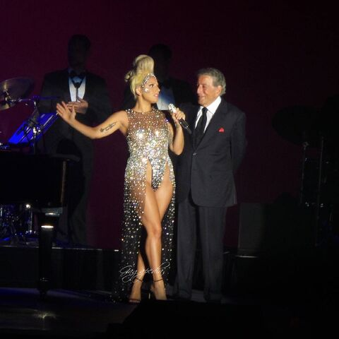 File:7-4-15 Cheek to Cheek Tour 002.jpeg