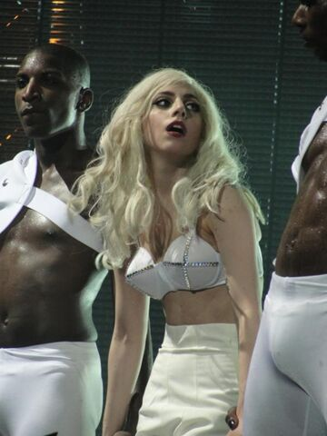 File:The Monster Ball Theater Bad Romance 002.jpg