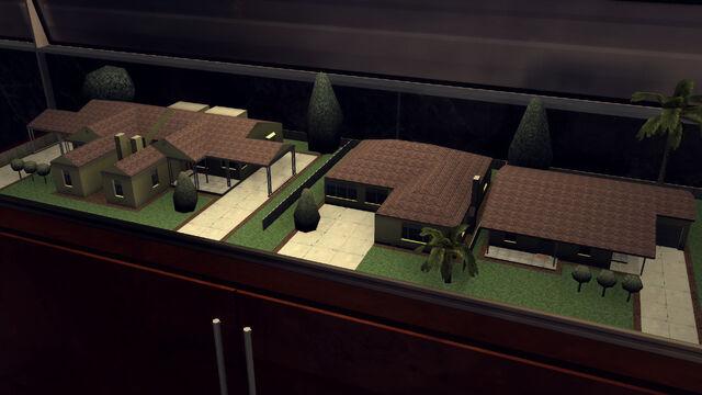 File:3-Rancho Escondido house models at Monroe's Office.jpg