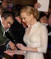 Nicole Kidman signingautographs