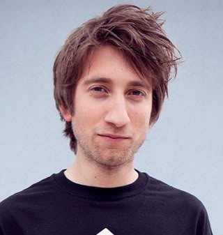 The 29-year old son of father (?) and mother(?), 177 cm tall Gavin Free in 2017 photo