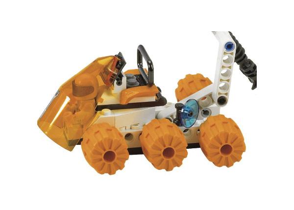File:7692 Astronaut Rover.jpg