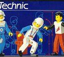 8712 TECHNIC Figures