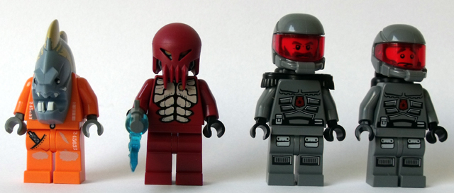 File:5985 Minifigures.jpg