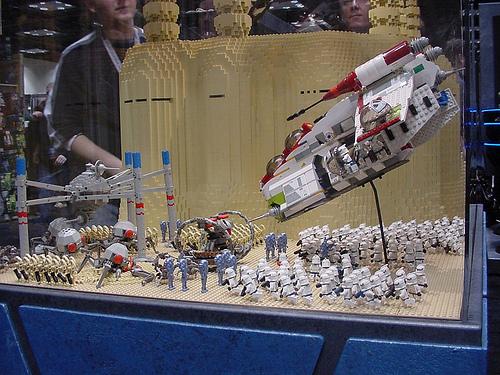 File:Star Wars Celebration II - Lego Geonosis battle.jpg