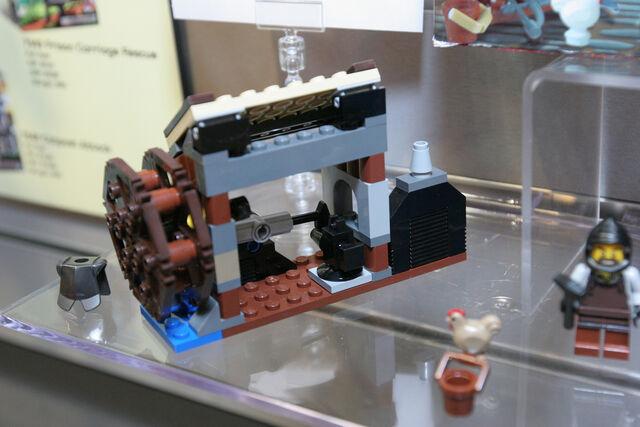 File:LEGO Toy Fair - Kingdoms - 6918 Blacksmith Attack - 03.jpg