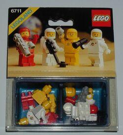 6711- LEGO Mini-Figures