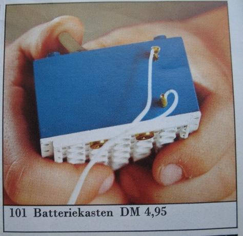 File:101-4.5V Battery Case 1966.jpg